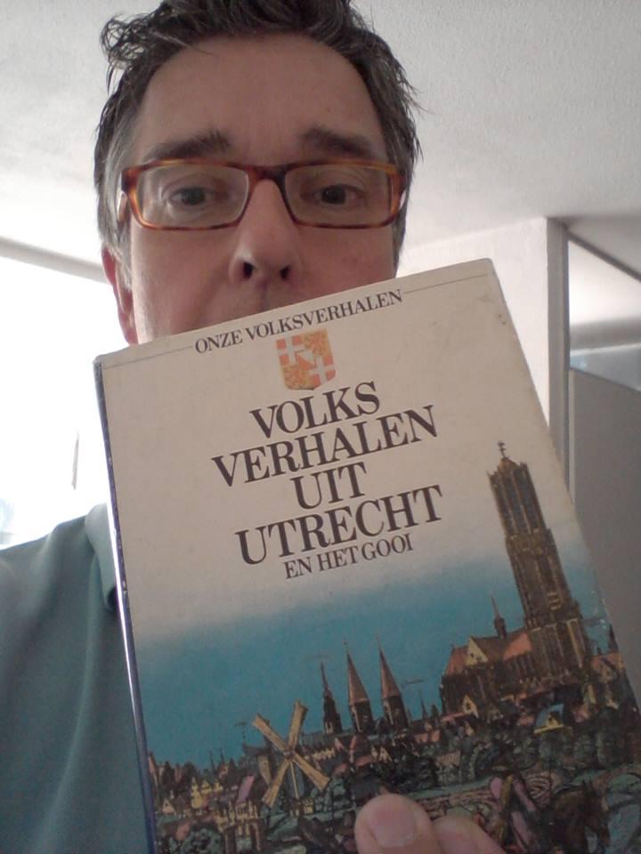 Raymond Uppelschoten - verhalenverteller met een sageboek